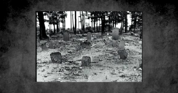 The Mysterious Black Hope Curse - Unsolved Mysteries